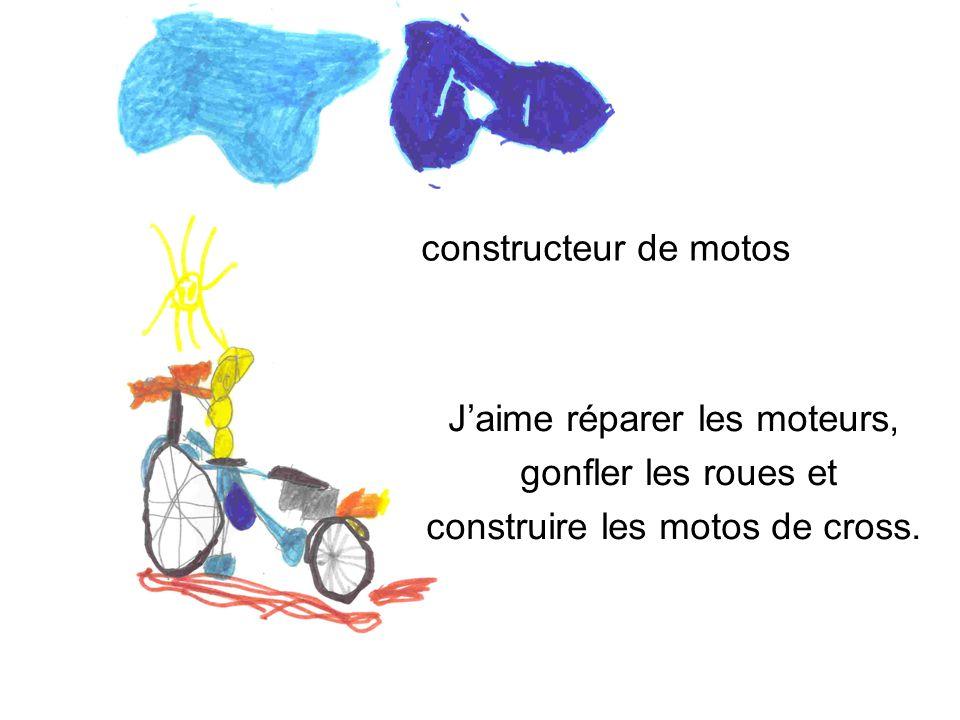 constructeur de motos Jaime réparer les moteurs, gonfler les roues et construire les motos de cross.