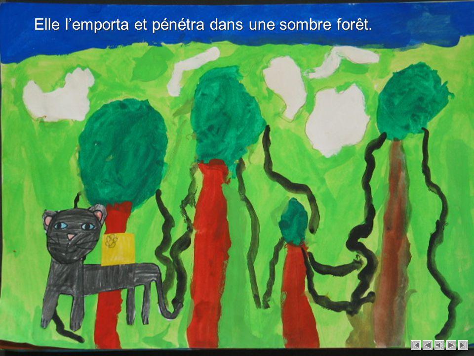 Le garçon et le singe sautèrent dans leau pour sauver la panthère mais le courant les emporta.