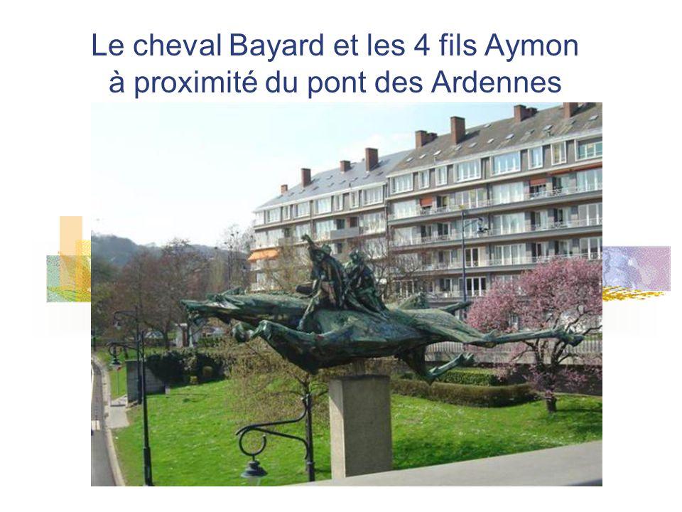 Le cheval Bayard et les 4 fils Aymon à proximité du pont des Ardennes