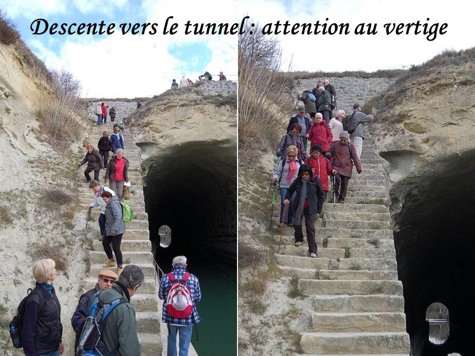 Histoire de la niche située en haut du tunnel.