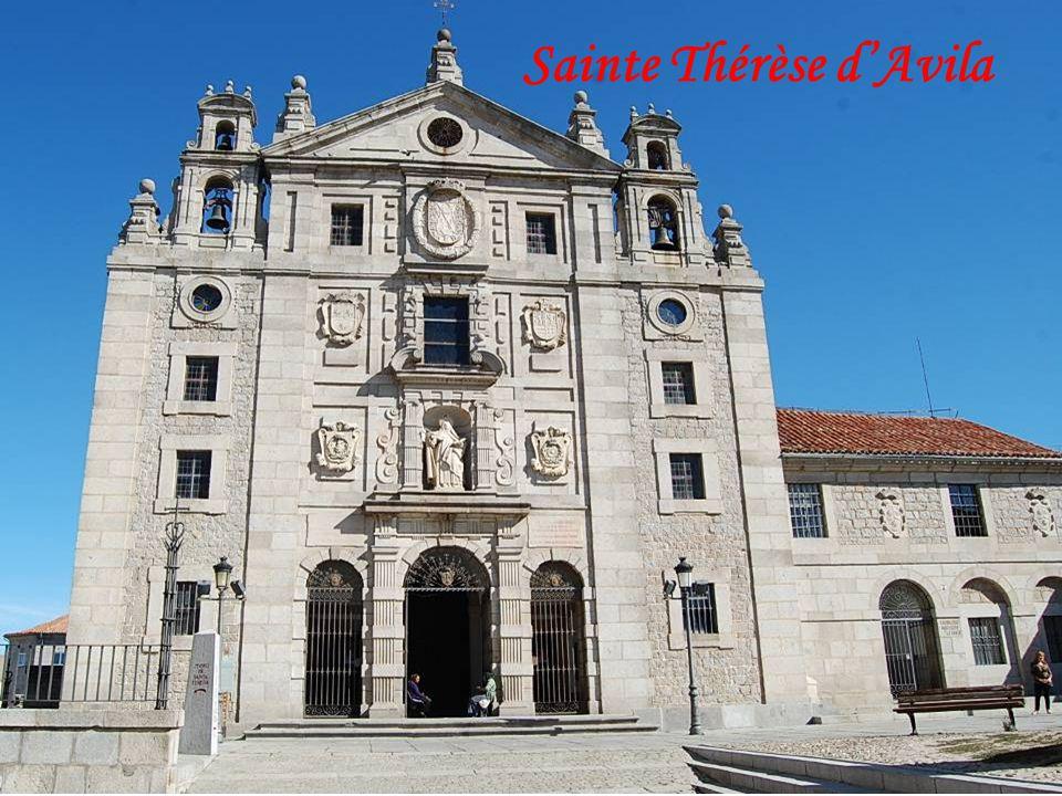 Porte dentrée vers le couvent de Ste Thérèse