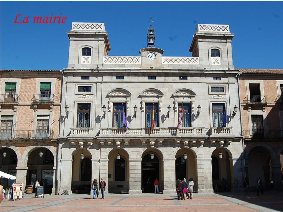 Érigé sur la maison natale de sainte Thérèse Le couvent, dessiné par l'architecte Fray Alonso de San José et inauguré en 1636, fut construit sur la ma