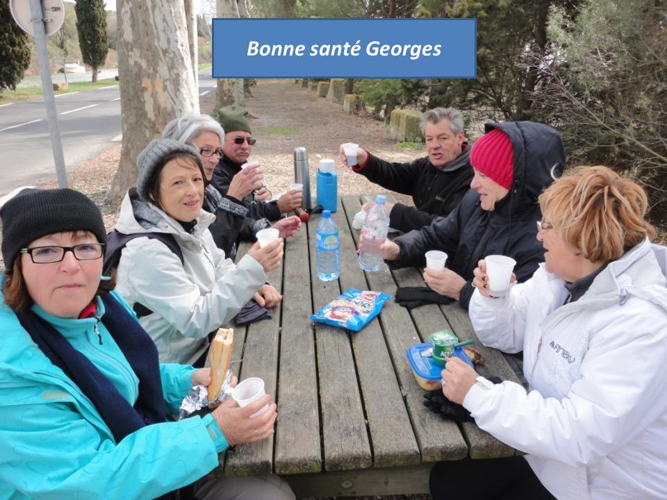 Georges et Maité, nous ont offert un petit apéritif, Sangria et petits gâteaux, merci à vous deux, et « Bonne Santé »