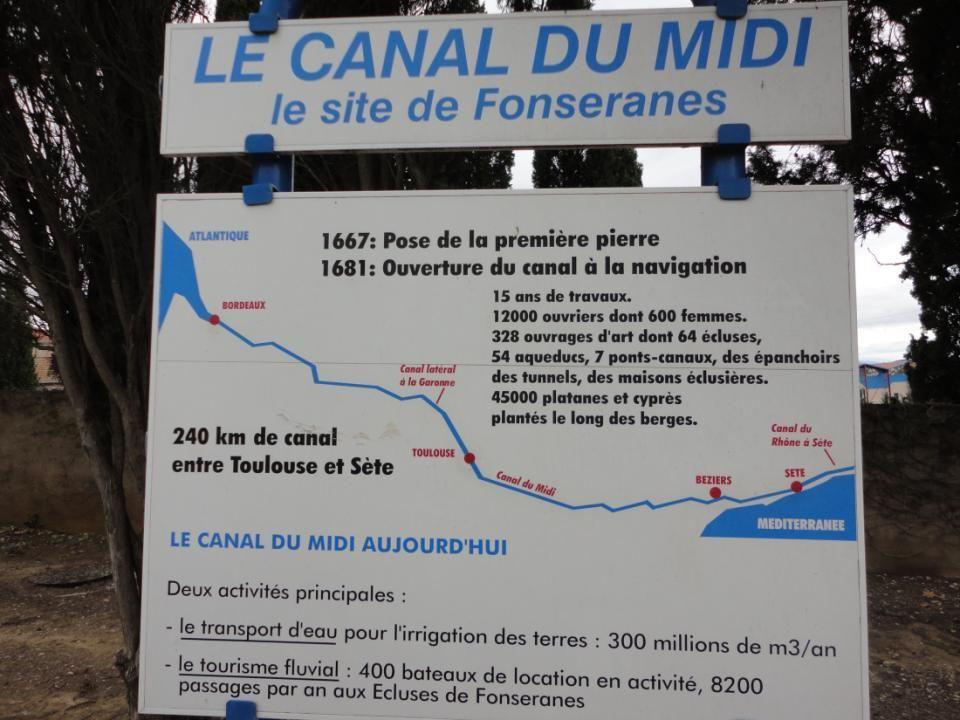 Le Pont Canal de Béziers. Ce pont a été mis en service en 1858, cest un des plus grands de France, il a remplacé la traversée dans le lit de la rivièr