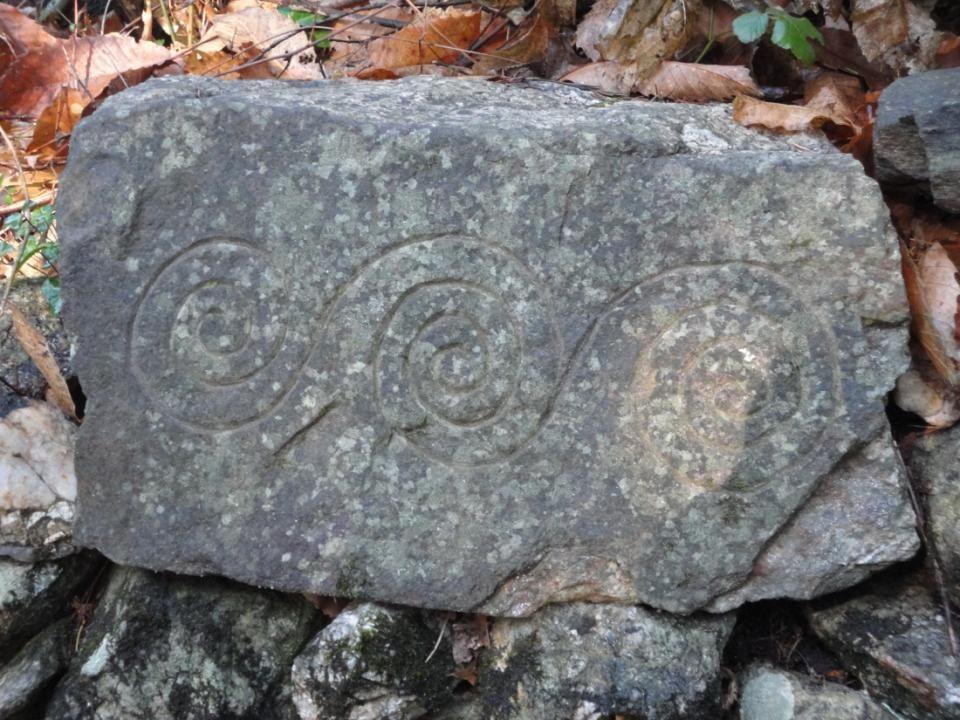 Sculptures sur pierre…. Depuis quand ? ? ?