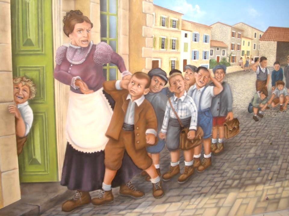 Retour au village et vue sur la fresque de lécole