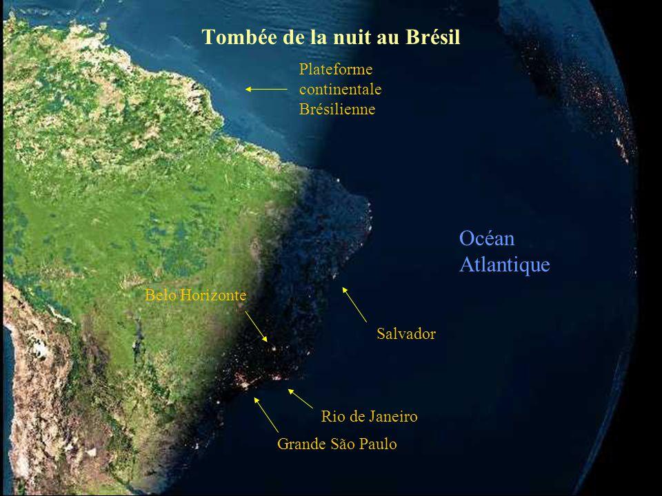 France Islande Italie Plateforme continentale Angleterre Afrique La nuit est déjà tombée Espagne Océan Atlantique Iles du Cap Vert Iles Canaries Iles