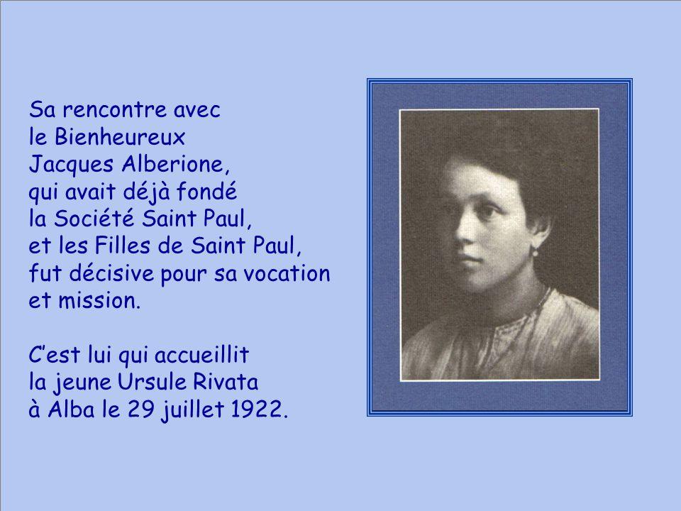 Sa rencontre avec le Bienheureux Jacques Alberione, qui avait déjà fondé la Société Saint Paul, et les Filles de Saint Paul, fut décisive pour sa vocation et mission.