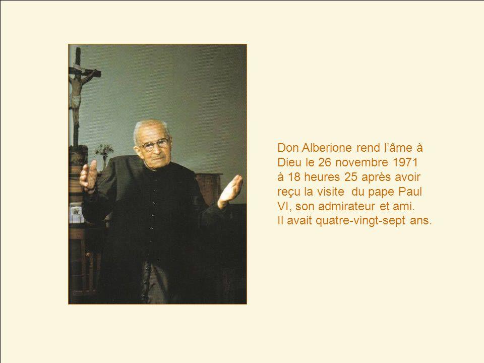 Don Alberione rend lâme à Dieu le 26 novembre 1971 à 18 heures 25 après avoir reçu la visite du pape Paul VI, son admirateur et ami.