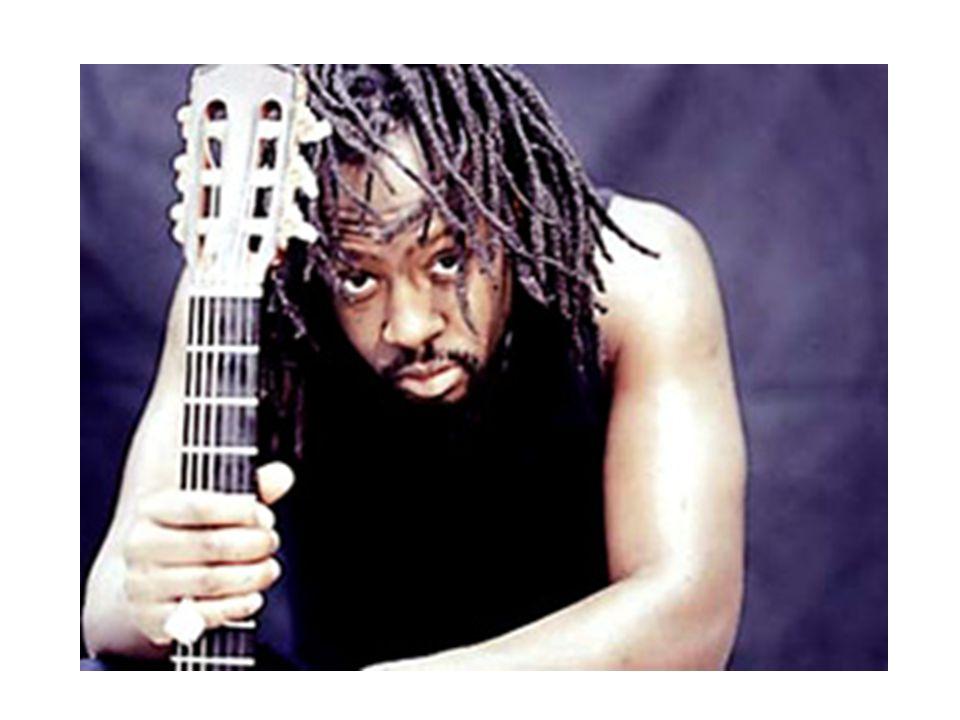 Il sappelle Wyclef Jean. Il est haïtien.