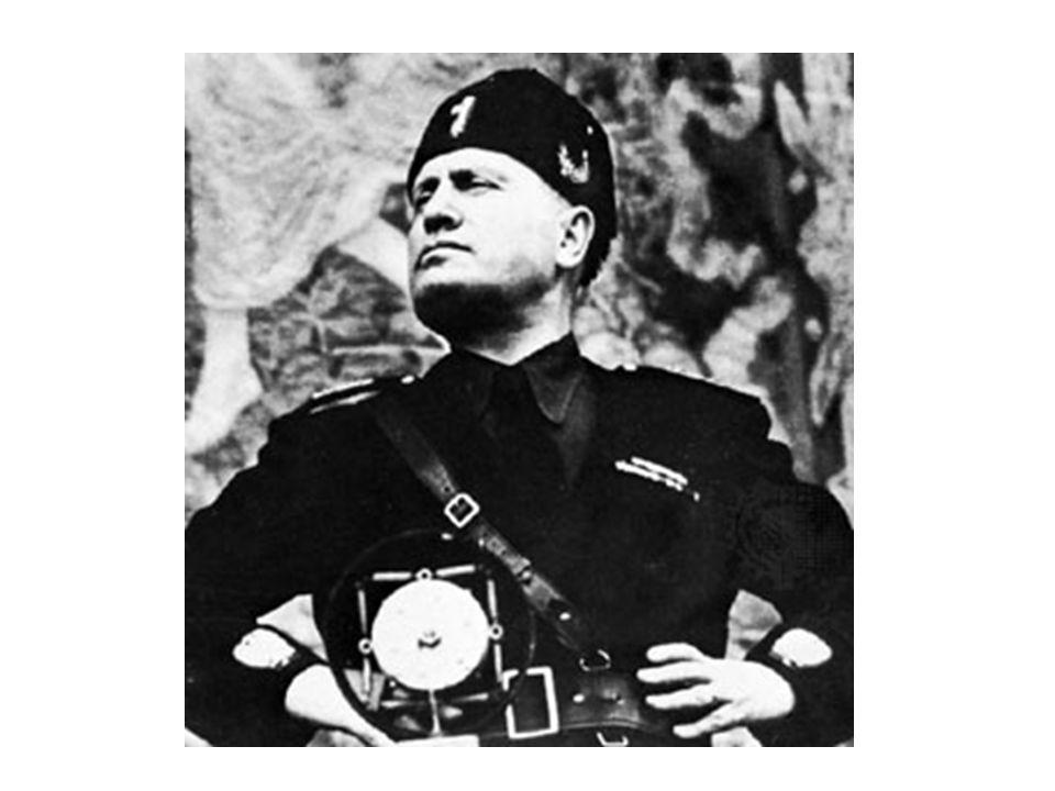 Il sappelle Benito Mussolini. Il est italien.