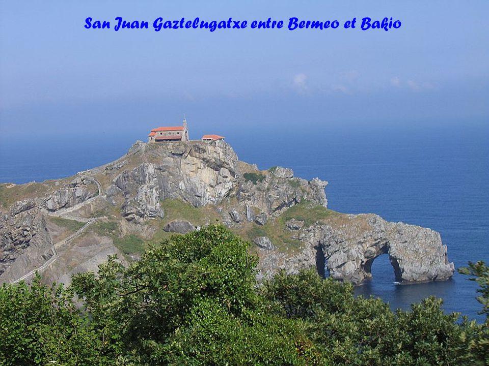 Chapelle San Juan Gaztelugatxe et plage de Bakio