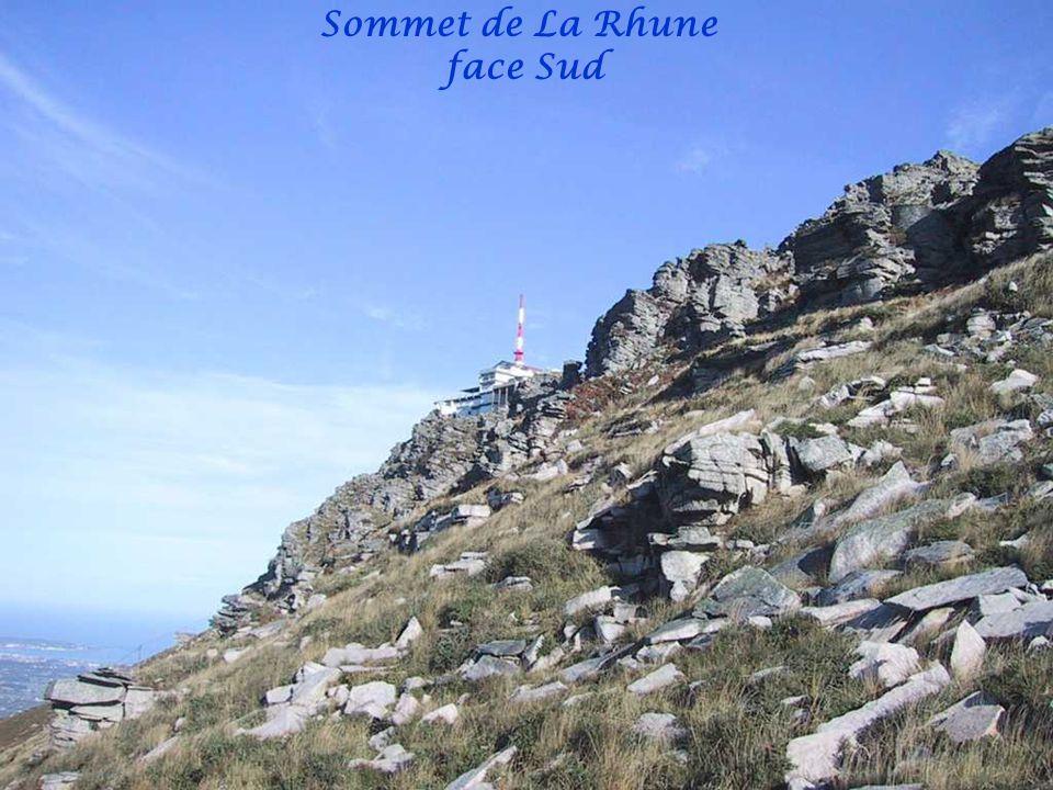 Vue sur San Sébastien Hendaye et Ventas dIbardin depuis le sommet de La Rhune