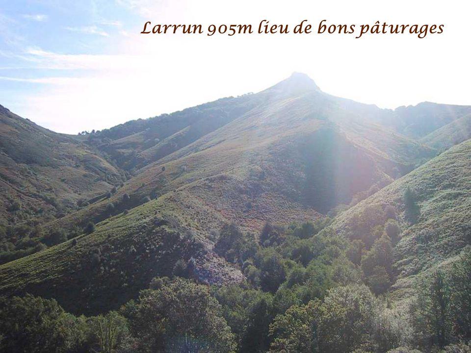 Vue sur le Goramakil 1090m