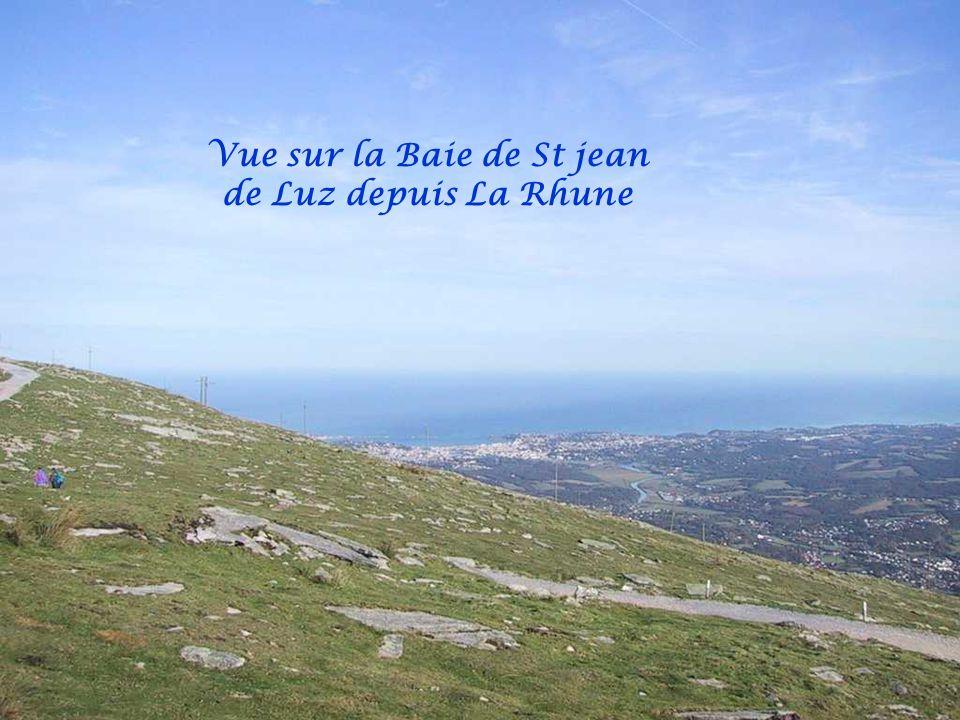 Vue sur St jean de Luz depuis la petite Rhune