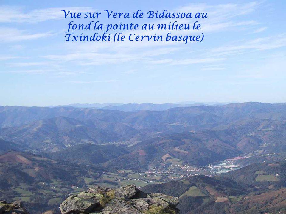 Vue sur Vera de Bidassoa Espagne depuis La Rhune