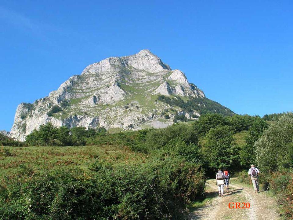 Retour au Mont Balerdi Village Azkarate