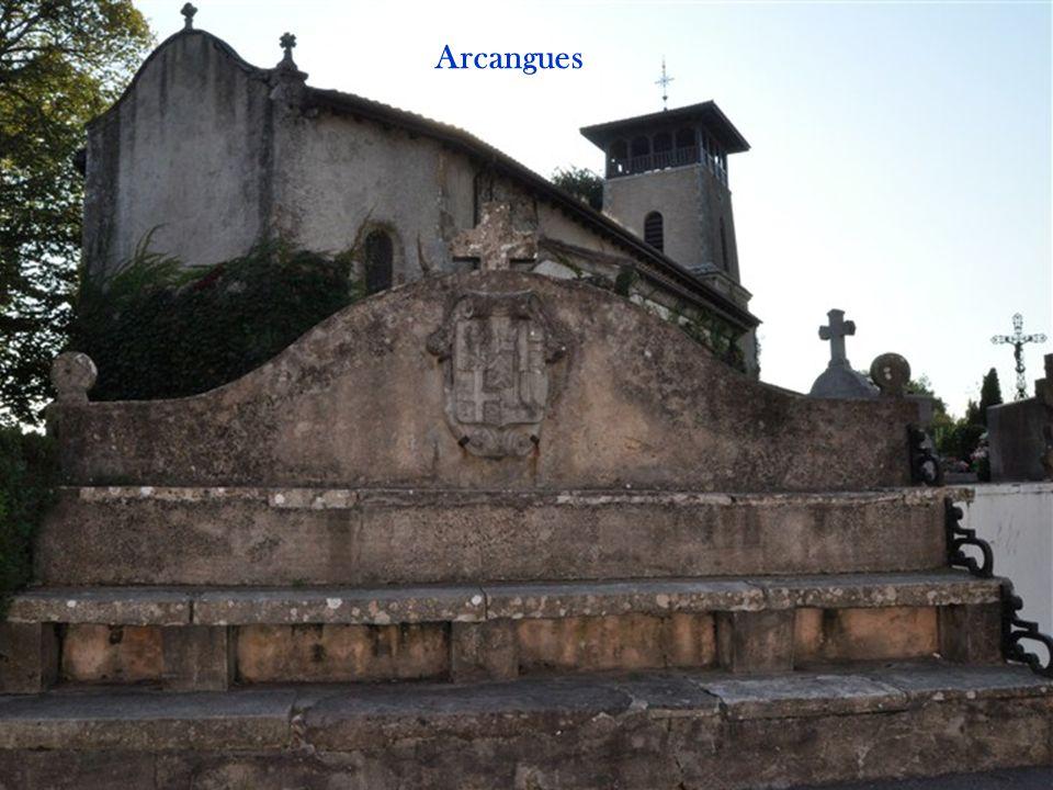 ARCANGUES Arrangoitze Arcangues est un charmant village labourdin, avec son château, reconstruit au XIXé siècle par les descendants des seigneurs d'Ar
