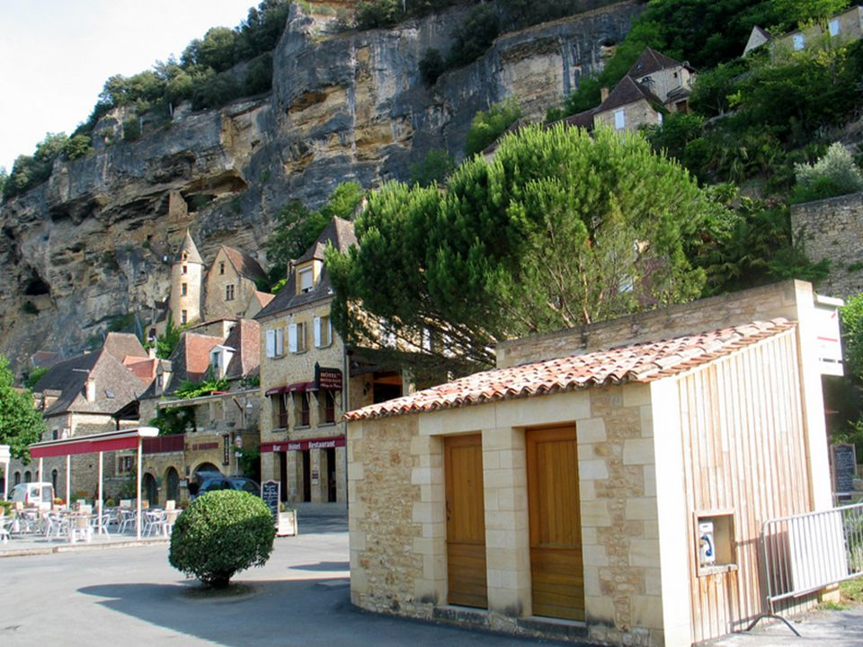 Le lundi 30/05/2011 visite de La Roque-Gageac et gouffre de Proumeyssac. La Roque-Gageac, magnifique village, classé l'un des plus beaux villages de F