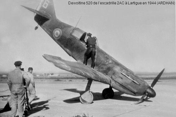 Dewoitine 520 de la flottille F1 à Lartigue avant sa dissolution le 15 mai 1944 – Les Dewoitine souffrent du manque de rechanges et les pilotes sont affectés à des escadrons de chasse de larmée de lAir (ARDHAN)