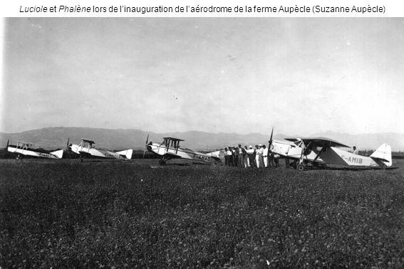 Luciole et Phalène lors de linauguration de laérodrome de la ferme Aupècle (Suzanne Aupècle)
