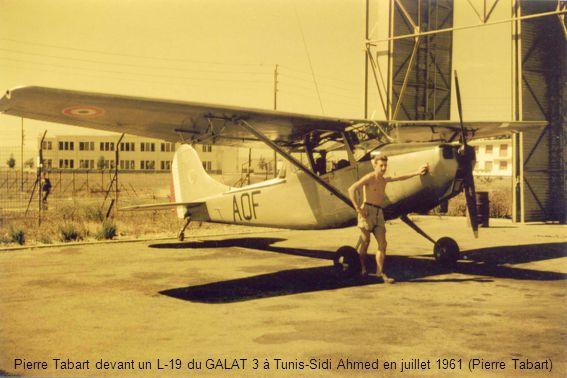 Pierre Tabart devant un L-19 du GALAT 3 à Tunis-Sidi Ahmed en juillet 1961 (Pierre Tabart)