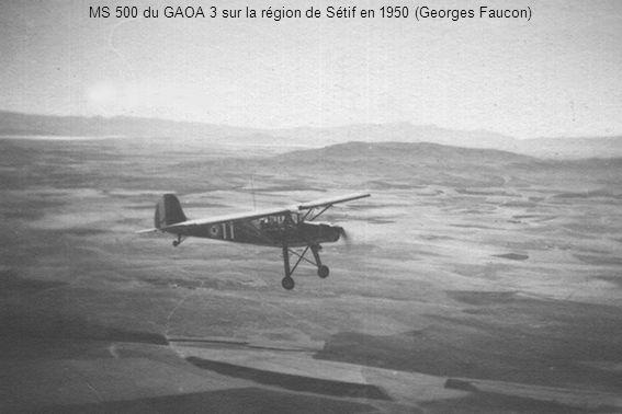 Le GALAT de la 7ème DMR à La Réghaïa, formé pour l intervention en Egypte, éclate en deux pelotons le 1er avril 1957.