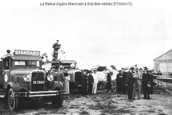 Rallye du Hoggar - A Tamanrasset, André Noël, chef-pilote de lAéro-club de Relizane, vainqueur des équipages nord-africains, en voyage de noce (André Noël)