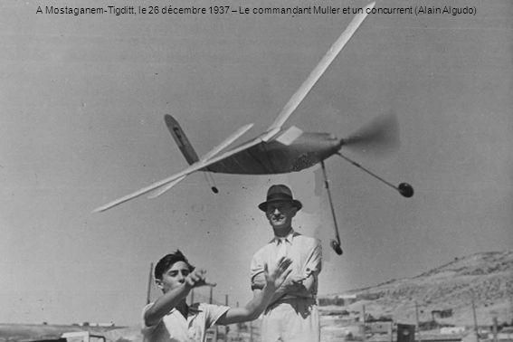 A Mostaganem-Tigditt, le 26 décembre 1937 – Le commandant Muller et un concurrent (Alain Algudo)