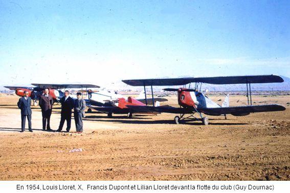 En 1954, Louis Lloret, X, Francis Dupont et Lilian Lloret devant la flotte du club (Guy Dournac)