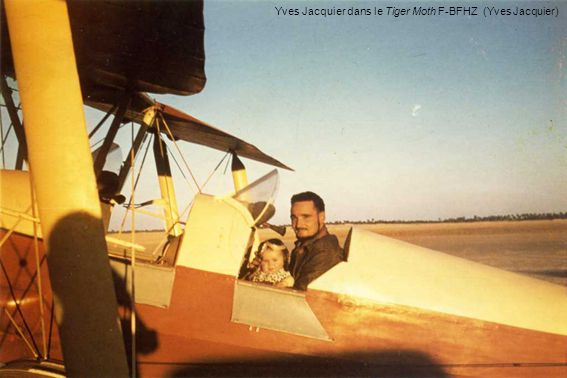 Yves Jacquier dans le Tiger Moth F-BFHZ (Yves Jacquier)