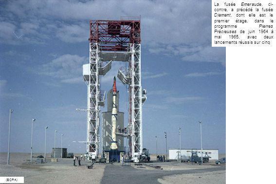 La fusée Emeraude, ci- contre, a précédé la fusée Diamant, dont elle est le premier étage, dans le programme Pierres Précieuses de juin 1964 à mai 196