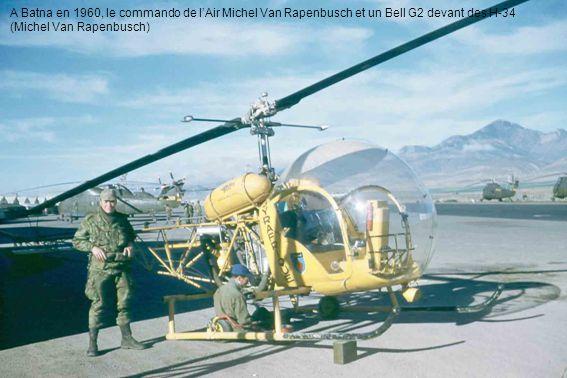 A Batna en 1960, le commando de lAir Michel Van Rapenbusch et un Bell G2 devant des H-34 (Michel Van Rapenbusch)