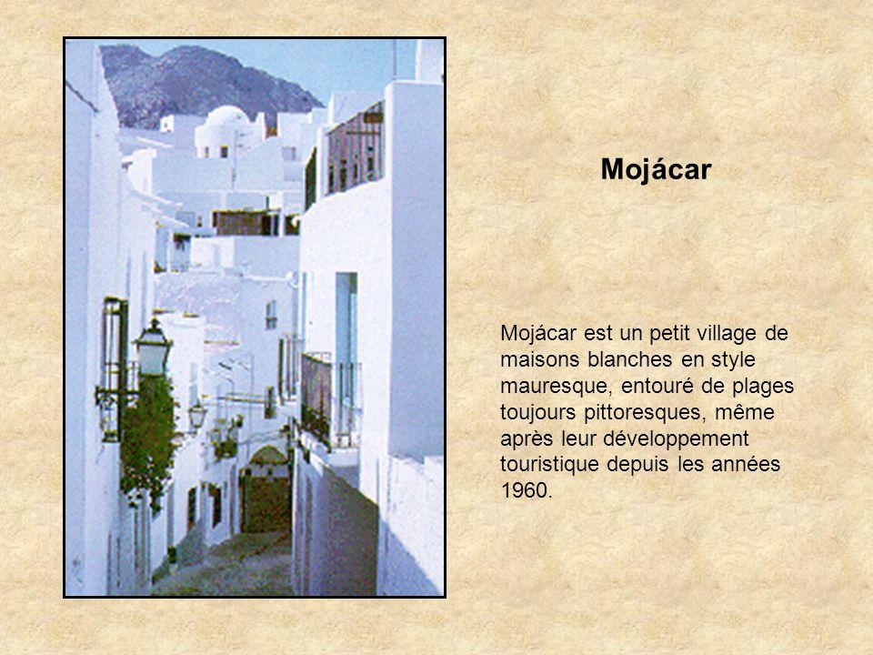 Felix Cest dans cette petite localité située sur la partie orientale de la Sierra de Gádor que les Maures assiégés et en déroute en 1568 préférèrent s