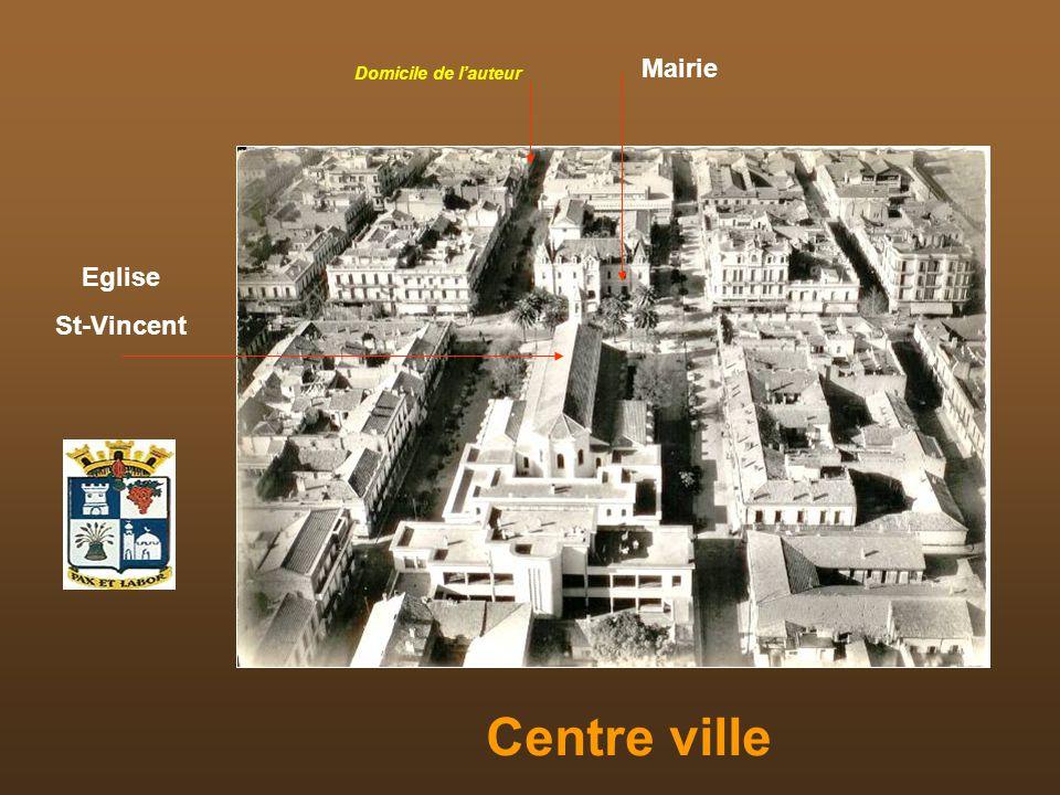 Centre ville Mairie Eglise St-Vincent Domicile de lauteur