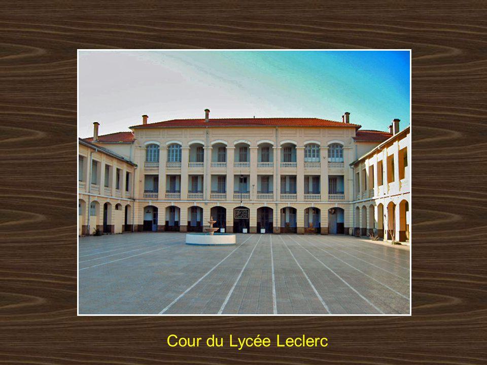 Cour du Lycée Leclerc