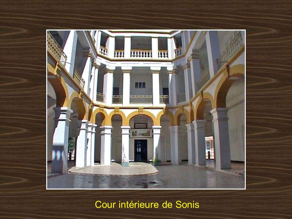 Cour intérieure de Sonis
