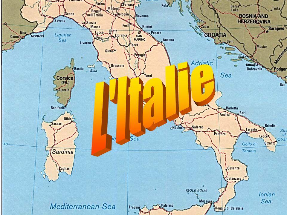 L Italie occupe une péninsule en forme de botte, comprise entre la mer Méditerranée et Adriatique.