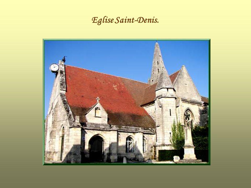 Léglise Saint-Denis Elle date des 12 ème et 13 ème siècles.
