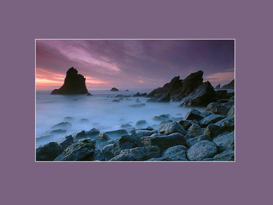 La voix de la mer parle à l'âme. Le contact de la mer est sensuel. Il enlace le corps dans une douce et secrète étreinte. Kate Chopin