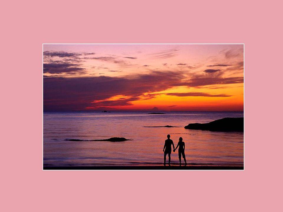 Les promesses d'hommes sont souvent pareilles aux vagues de la mer. Elles meurent aussi vite qu'elles naissent. Gilbert Sinoué