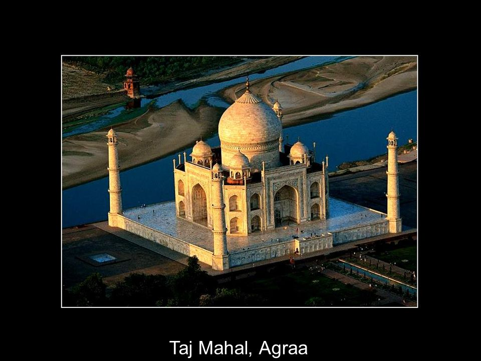 13 Mumtaz Mahal, épouse de lempereur Moghol Shah Jahan, est morte en couches. Peu après son décès, vers 1630, lempereur ordonne la construction dun ma