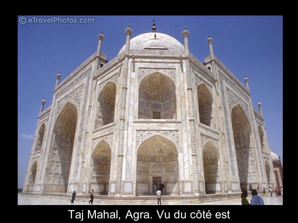 16 Taj Mahal, Agraa