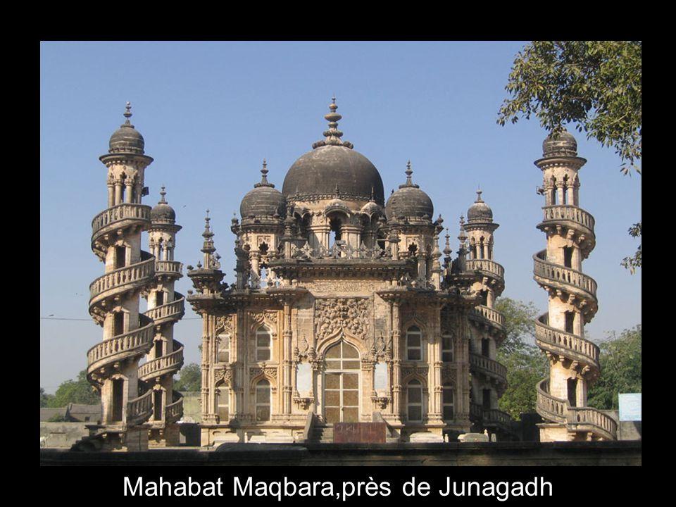 8 Mahabat Maqbara,près de Junagadh