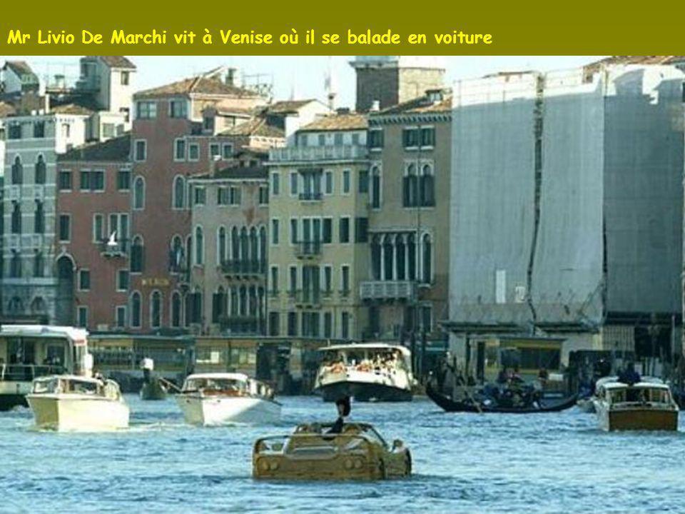 La F 50 à Venise Vers le canal menant sous le Pont des Soupirs