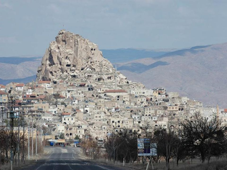 Uçhisar Located at 1300 m of altitude, Uçhisar is the climax of Cappadoce.