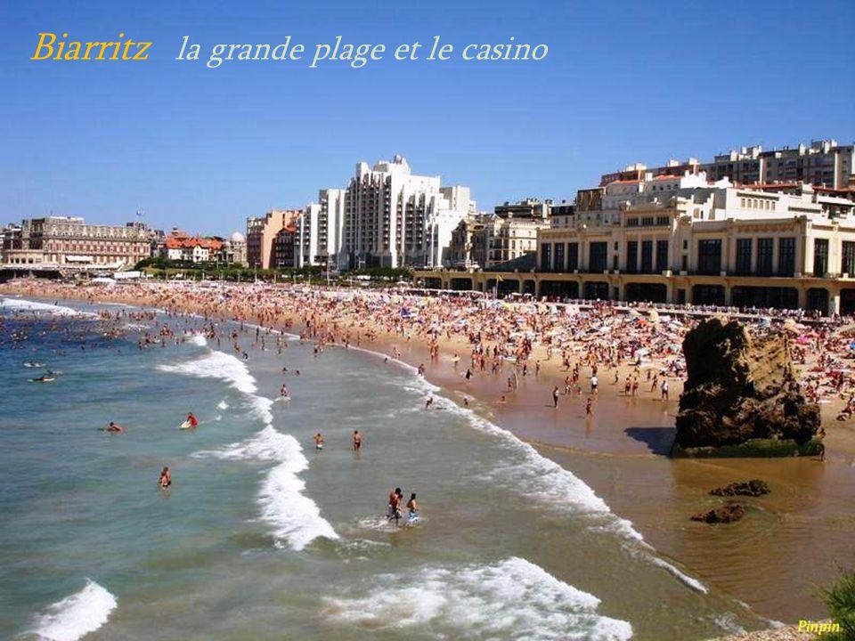 Biarritz le rocher de la Vierge