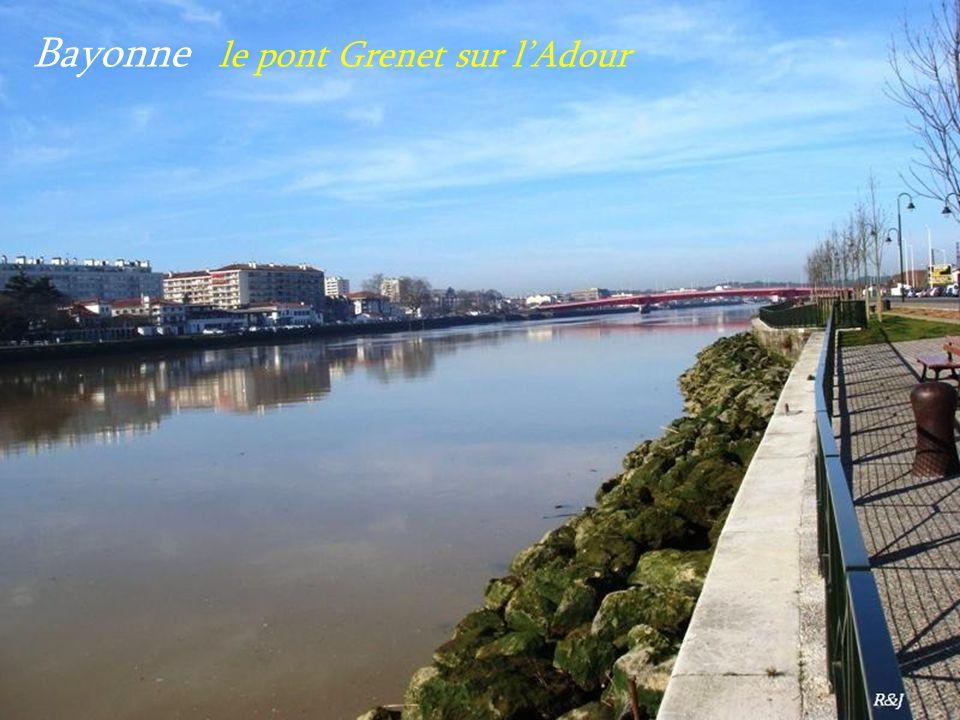 Bayonne le pont Grenet sur lAdour