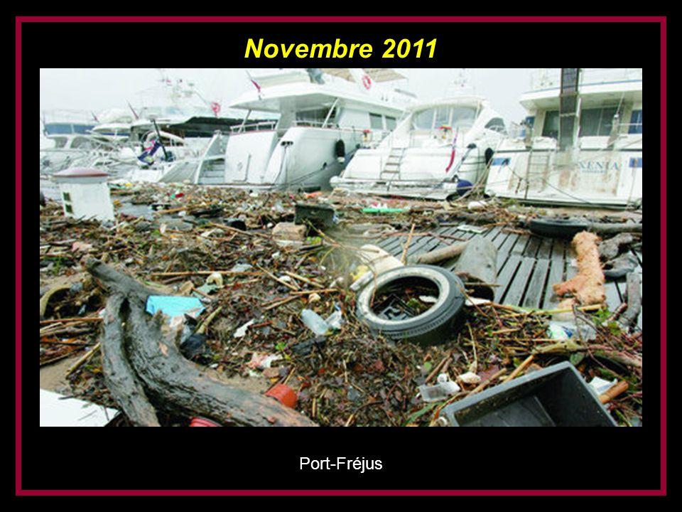 Novembre 2011 Saint-Raphaël (devant le Casino)