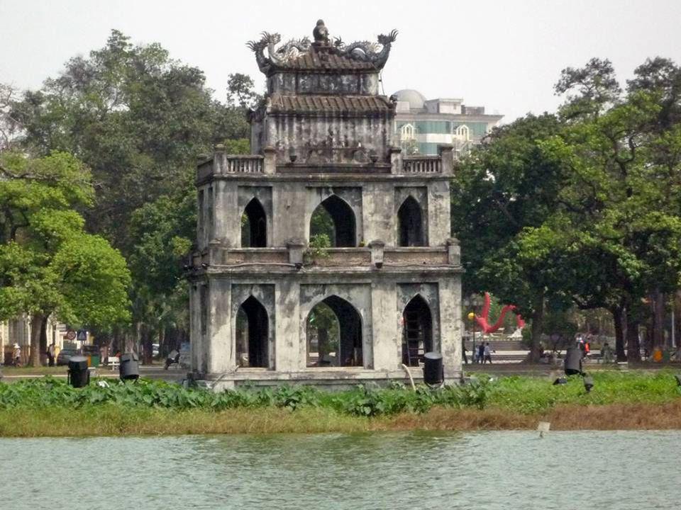 Thap Rua Ce petit temple est lemblème de Hanoï